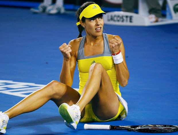 Ana Ivanovic comemora no tênis no Australian Open (Foto: Reuters)