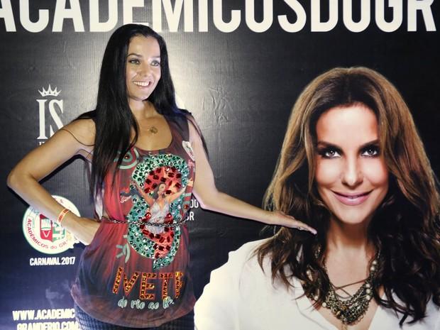 Mônica Carvalho na quadra da Grande Rio, em Duque de Caxias, na Baixada Fluminense, no Rio (Foto: Marcos Serra Lima/ EGO)