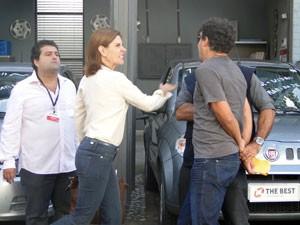 Carmem chega e dá um tapão na cara de Vittinho (Foto: Malhação / Tv Globo)