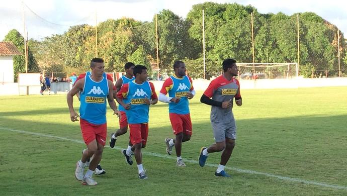 América-RN - titulares fazem treino físico (Foto: Jocaff Souza/GloboEsporte.com)