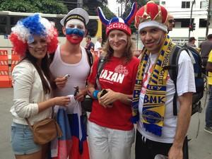 A torcida russa também estará presente no Maracanã para o jogo deste domingo; o russo Airat Bourgano e mais três amigos vieram ao Brasil como mochileiros e aproveitaram para assistir o jogo (Foto: Janaína Carvalho/G1)