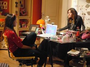 Lia dá força para amiga e diz que ela mandou bem (Foto: Malhação / Tv Globo)