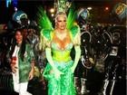 Monique Evans critica Carnaval: 'Esquecem quem ama a escola'