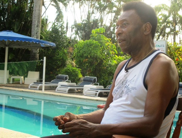 Pelé em recuperação (Foto: Marcelo Hazan)