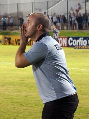 Ademir Fesan, auxiliar técnico do ABC (Foto: Augusto Gomes/GloboEsporte.com)
