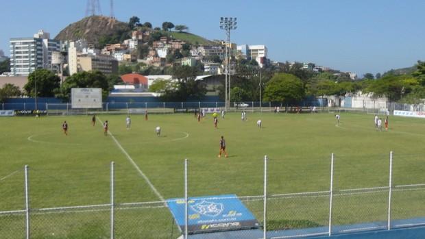 Vitória-ES x Vilavelhense fizeram amisotso no Salvador Costa (Foto: Richard Pinheiro)