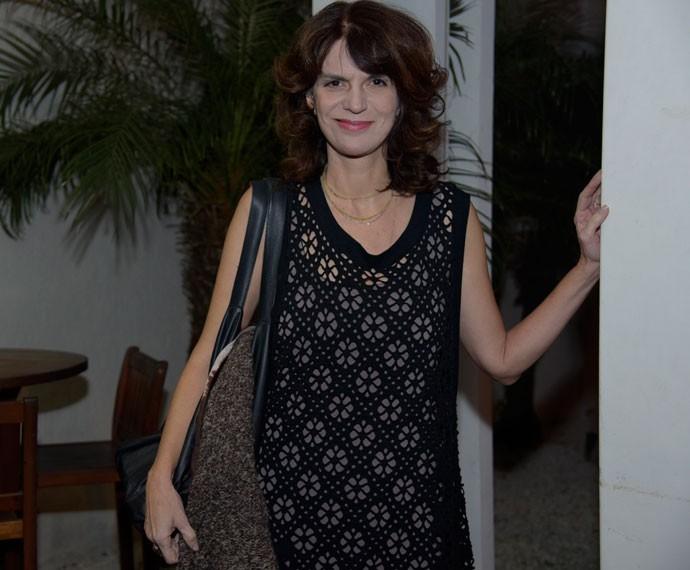 Lícia Manzo, autora de Sete Vidas, chega para assistir ao último capítulo da novela (Foto: Raphael Dias/ Gshow)