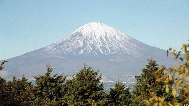 Especialistas dizem que o monte Fuji, no Japão, pode entrar em atividade em um tempo relativamente curto  (Foto: BBC)