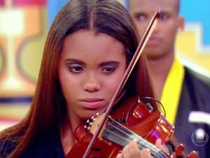 Menina Emily contou sua história de superação no palco do Esquenta! (Foto: TV Globo)