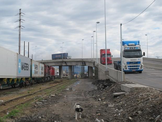 Viaduto da Perimetral foi inaugurado no domingo (5) (Foto: Anna Gabriela Ribeiro/G1)