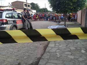 Vítima não resistiu aos ferimentos e morreu no local (Foto: Walter Paparazzo/G1)