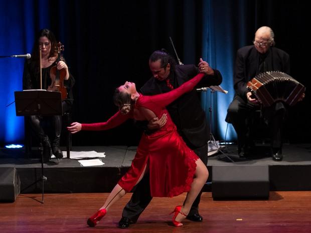 Apresentação de tango acontece no Theatro de Paulínia (Foto: Rodrigo Sodré)