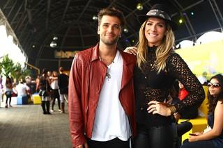 Giovanna Ewbank e Bruno Gagliasso no Lollapalooza (Foto: Iwi Onodera / EGO)