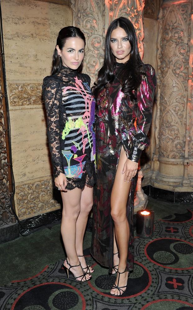 Camilla Belle e Adriana Lima em festa em Los Angeles, nos Estados Unidos (Foto: Donato Sardella/ Getty Images)