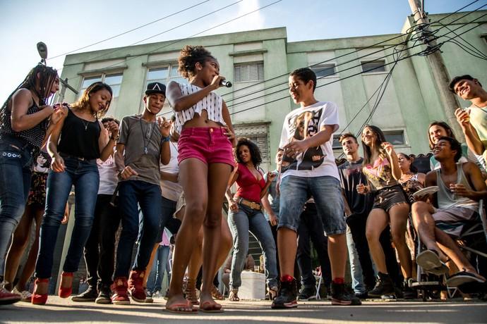 Jeniffer e Bola animan a festa e dão show (Foto: Fabiano Battaglin/Gshow)
