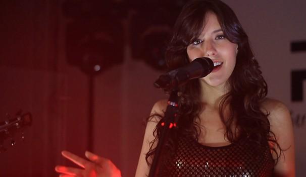 Julie Ramos já cantou com Joss Stone (Foto: Eduardo de Paula/ TV Vanguarda)