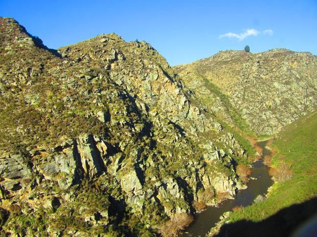 Trajeto passa pelo desfiladeiro Taieri, formado a milhares de anos pelo rio de mesmo nome (Foto: Juliana Cardilli/G1)