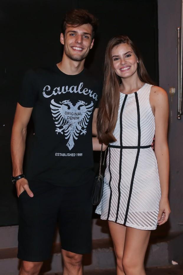 Lucas Cattani e Camila Queiroz (Foto: Manuela Scarpa/Brazil News)