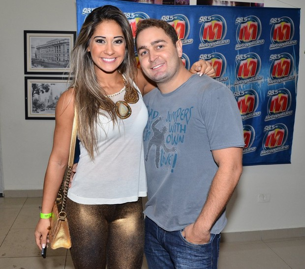Mayra Cardi e o marido (Foto: Caio Duran / AgNews)