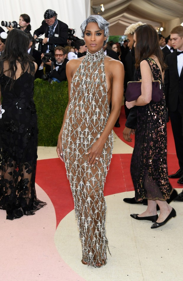 Ciara no baile do MET (Foto: AFP)