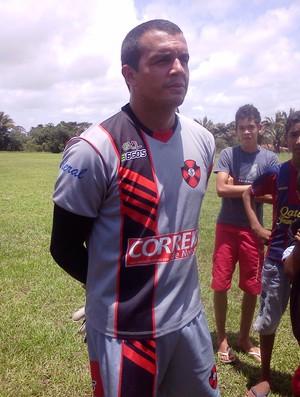 Goleiro do Moto Club, Tony, após treino no CT Pereira dos Santos (Foto: João Ricardo/Globoesporte.com)