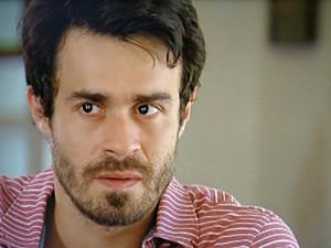 João Luiz fica tenso ao saber que Guilherme conheceu a mãe