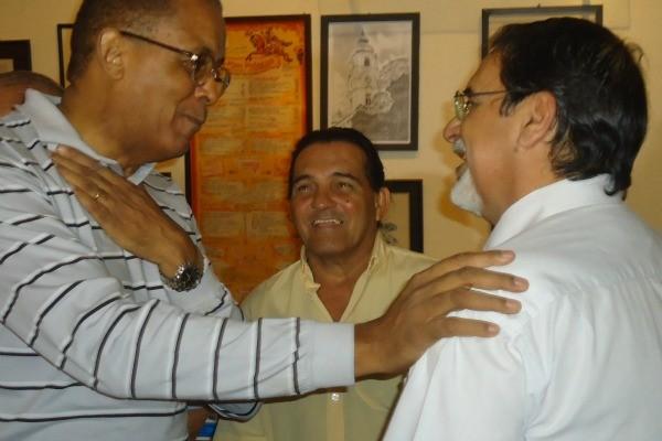 Renato Nascimento, Índio Kindar e Cigano Stiner em reencontro na estreia de Mestres do Ringue (Foto: Divulgação/RBS TV)