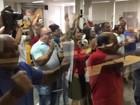 Moradores protestam durante votação de novos valores do IPTU em Palmas