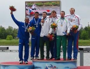 Brasileiros conquistam a prata em Moscou (Foto: Divulgação CBCa)
