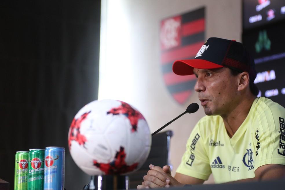 Zé Ricardo falou nesta sexta-feira no CT do Flamengo (Foto: Gilvan de Souza/Flamengo)