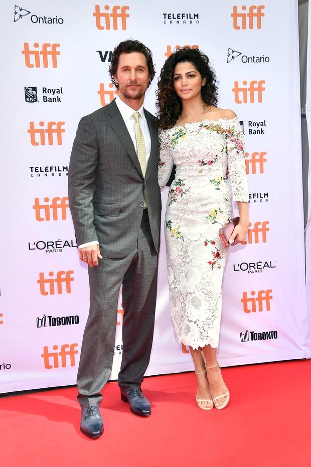 Matthew McConaughey e a mulher, a modelo Camila Alves (Foto: AFP)
