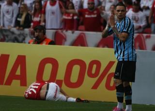 Pará atuou como lateral-esquerdo no Gre-Nal (Foto: Diego Guichard/GloboEsporte.com)