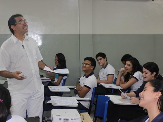 Professor Luciano Mourão usa método há cerca de 20 anos (Foto: Gustavo Almeida/G1)