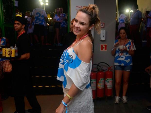 Ana Paula está aproveitando muito o Camarote Expresso 2222 (Foto: Márcio Reis/Ag. Haack)