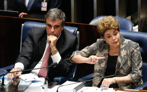 Presidente afastada Dilma Rousseff djurante no processo de impeachment (Foto: Sérgio Lima/ÉPOCA)