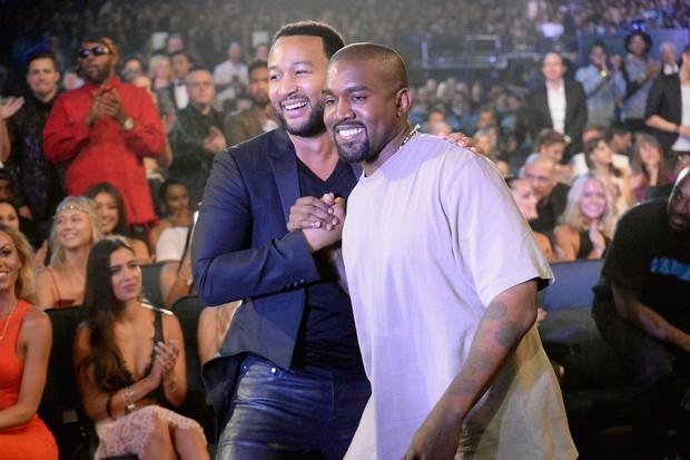 Kanye West com John Legend no MTV Music Awards 2015 (Foto: Getty Images/Jeff Kravitz)