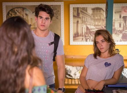 Luciana dá de cara com Flávia e Rodrigo e rola estresse