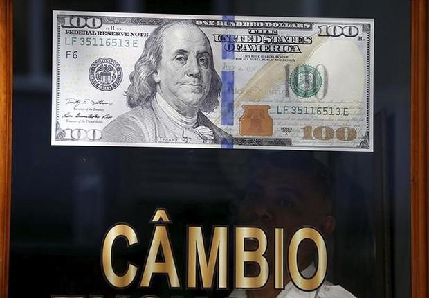 Dólar vai abaixo de R$ 3,45 à espera de impeachment; Bovespa também cai