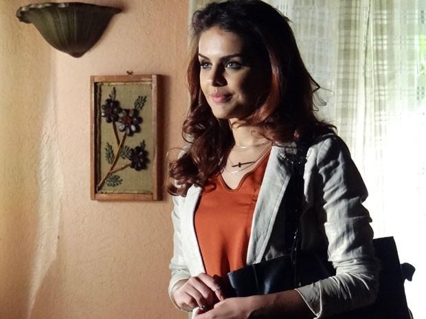 Rosângela já começa a pensar na grana que pode ganhar traficando (Foto: Salve Jorge/TV Globo)
