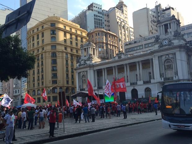 Manifestação contra o impeachment de Dilma na Cinelândia (Foto: Marcelo Elizardo/G1)