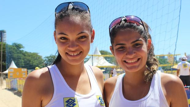 dupla piauiense bela e gabi falam sobre experiencia no circuito sub-23 de vôlei de praia (Foto: Náyra Macêdo/GLOBOESPORTE.COM)