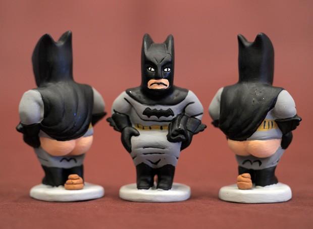 Figura do Batman é exposta em Girona, na Espanha (Foto: Lluis Gene/ AFP)