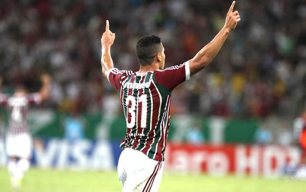 Samuel gol Fluminense e Goiás (Foto: Ricardo Ayres / Photocamera)