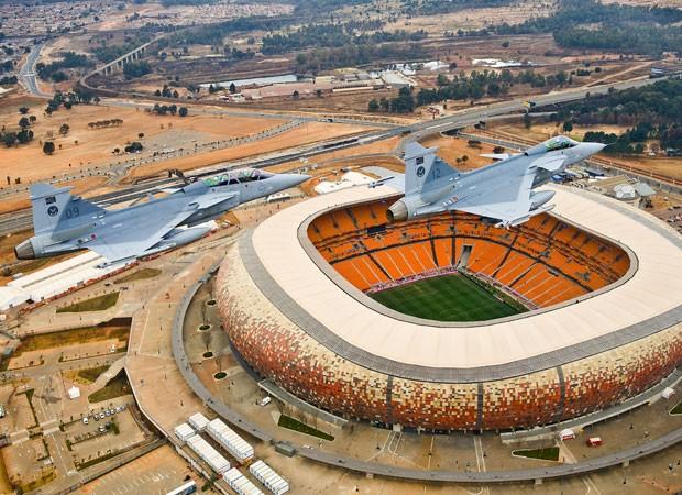 Caças Gripen, que serão comprados pelo Brasil, estão em operação na África do Sul desde a Copa de 2010 (Foto: Frans Dely/South African Air Force)