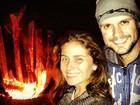 Sem maquiagem, Giovanna Antonelli curte noite ao lado do marido
