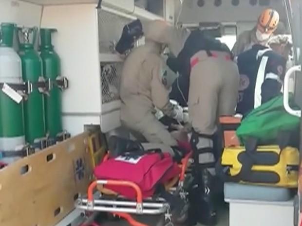 Criança foi socorrida por Corpo de Bombeiros (Foto: Reprodução/ TV Morena)