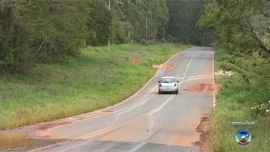 Más condições de vicinal em Sarapuí geram prejuízos para agricultores e motoristas