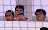 A Base: Lei Pelé, empresários, talentos fatiados e sonho com futebol europeu (Reprodução TV Globo)