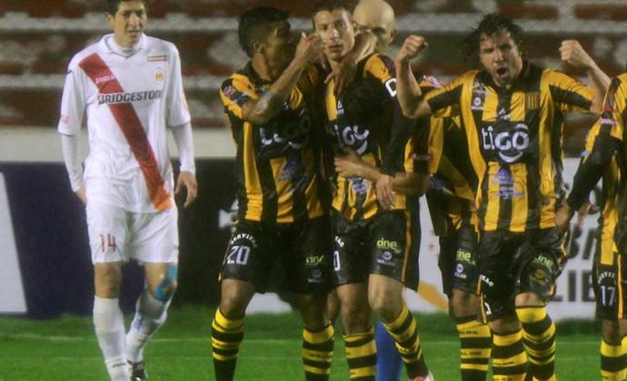 The Strongest 2 x 0 Monarcar Morelia Libertadores comemoração (Foto: EFE)