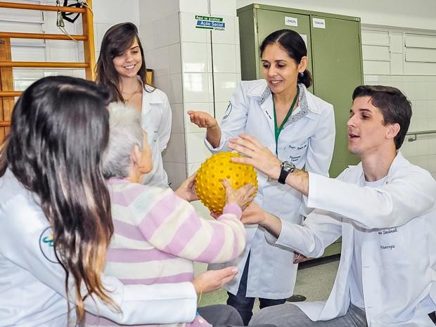 Serviço é oferecido pela Clínica Escola de Fisioterapia (Foto: Mateus Teixeira/Unoeste)